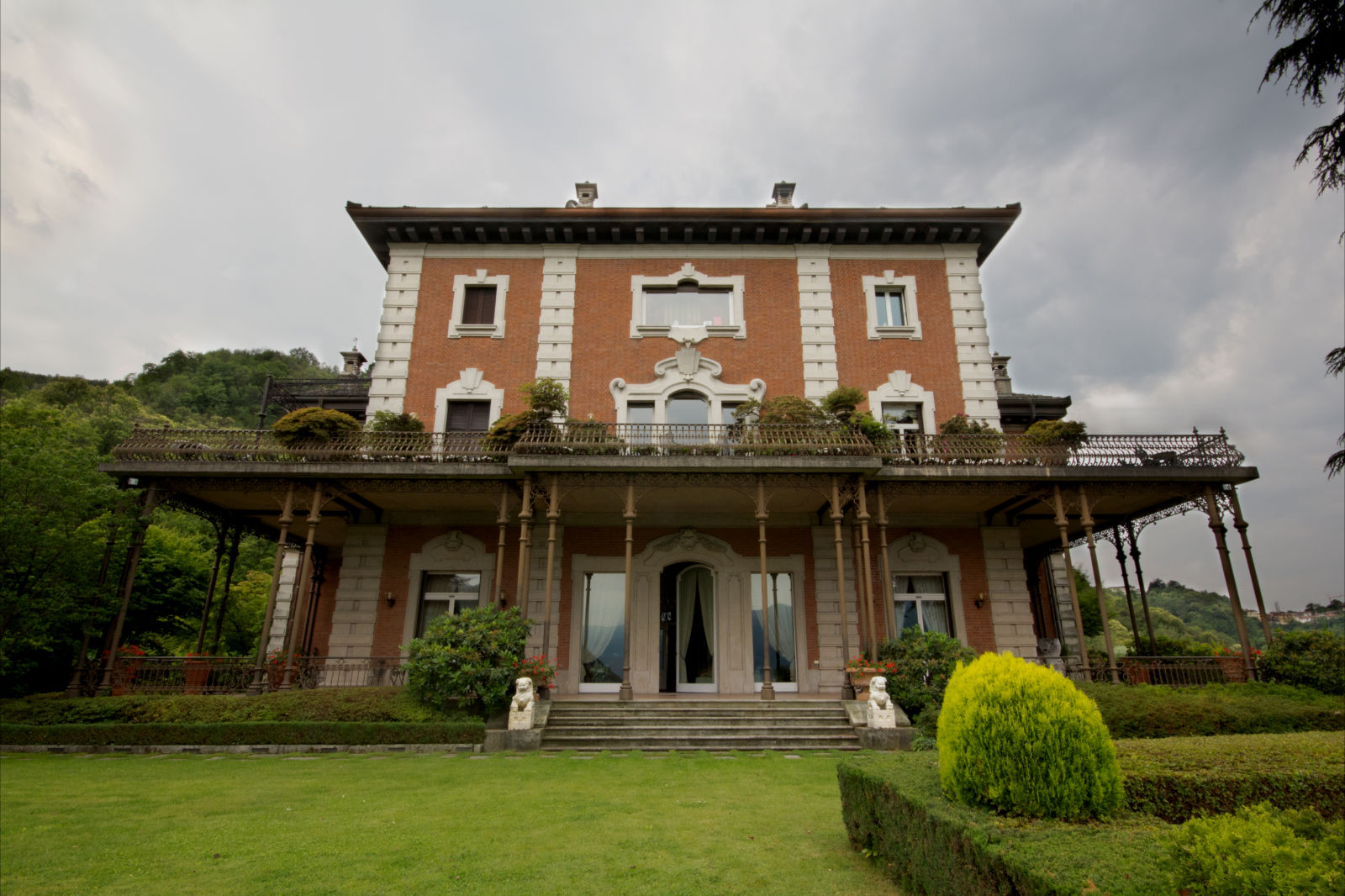 A Villa Centenari il nuovo spot di George Clooney