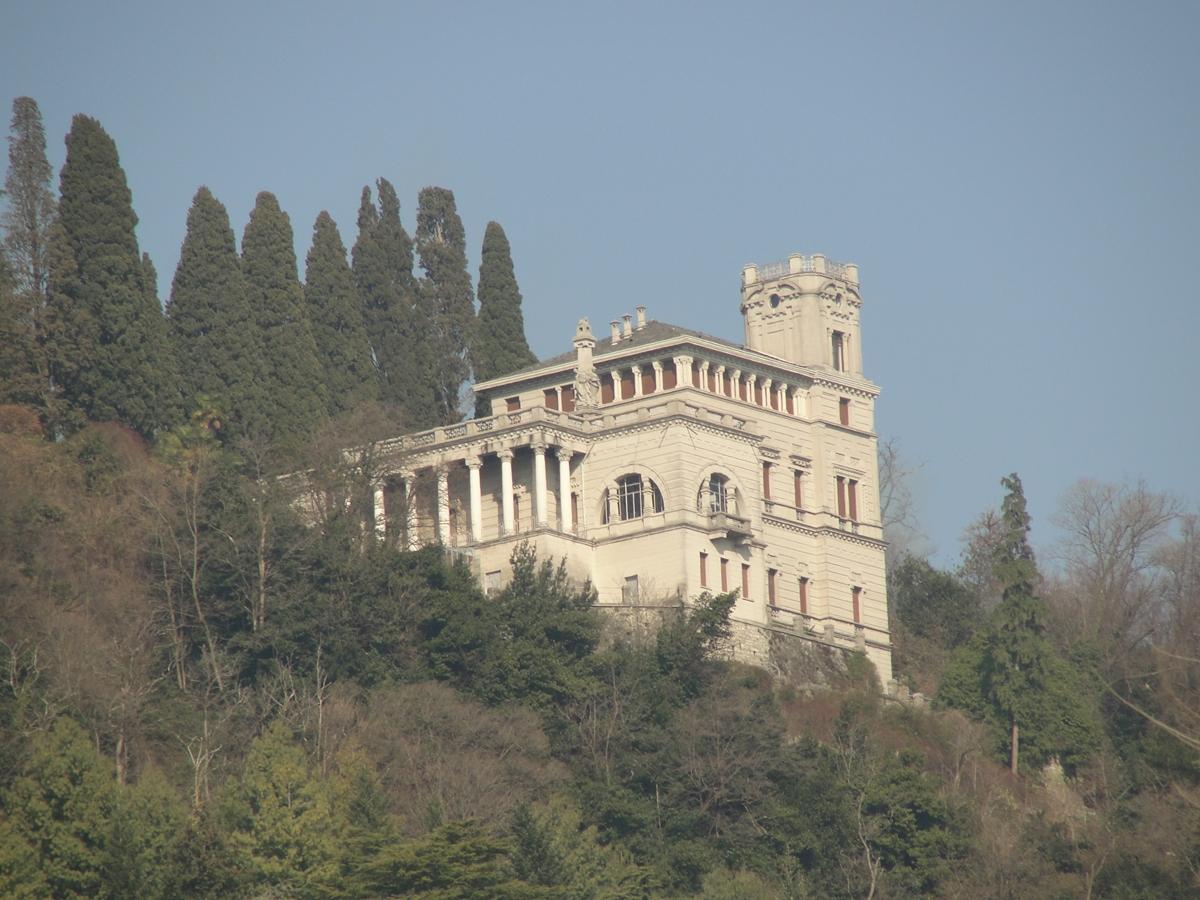 Carlo Dossi e la sua villa a lago