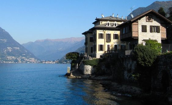 """La villa della soap opera """"Vivere"""""""