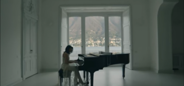 """""""Anche fragile"""" sul Lago di Como"""